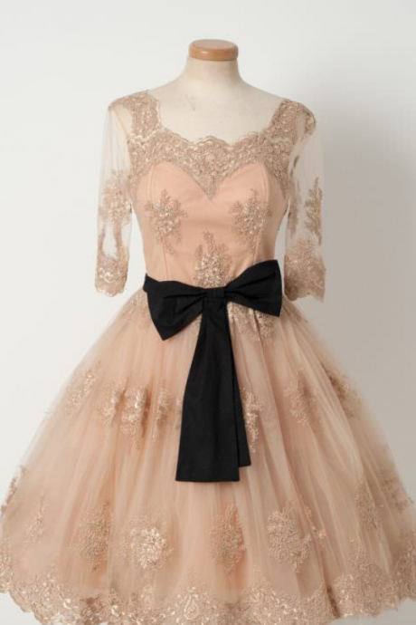 Elegant Homecoming Dresses with Bow,A-line Homecoming Dresses,Champagne Homecoming Dresses,Appliques Homecoming Dresses,Short Prom Dresses,Party Dresses
