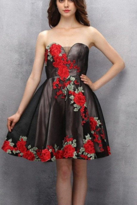 Beauty Black Short Sweetheart Handmade Homecoming Dresses